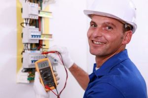 electrician testing electrical